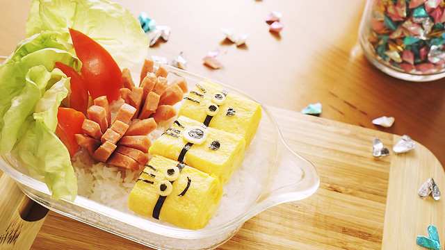 Minion Egg Roll Bento – Kid's favorite recipe