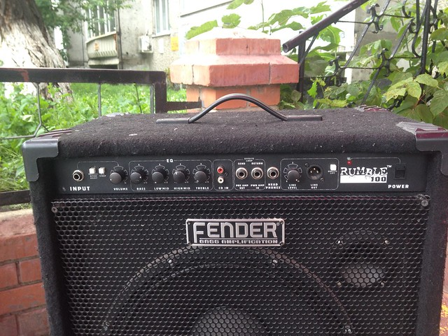 Fender Rumble 100, Apple iPhone 4S, iPhone 4S back camera 4.28mm f/2.4