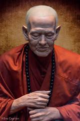 Figura de cera: monje budista tailandés - Wax figure: Thai Buddhist monk