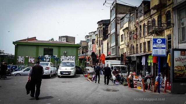 Istanbul10-131728rw