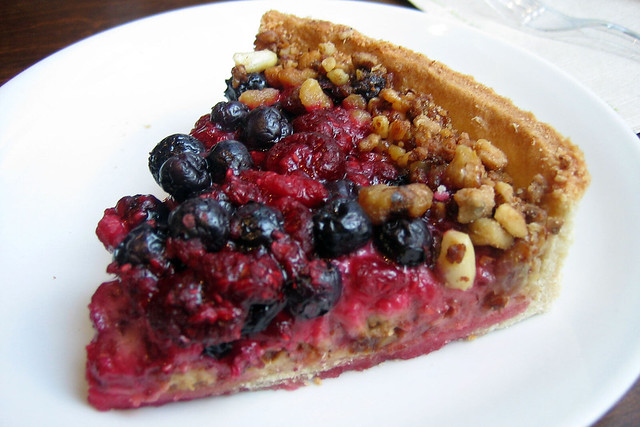Blueberry nougat pie
