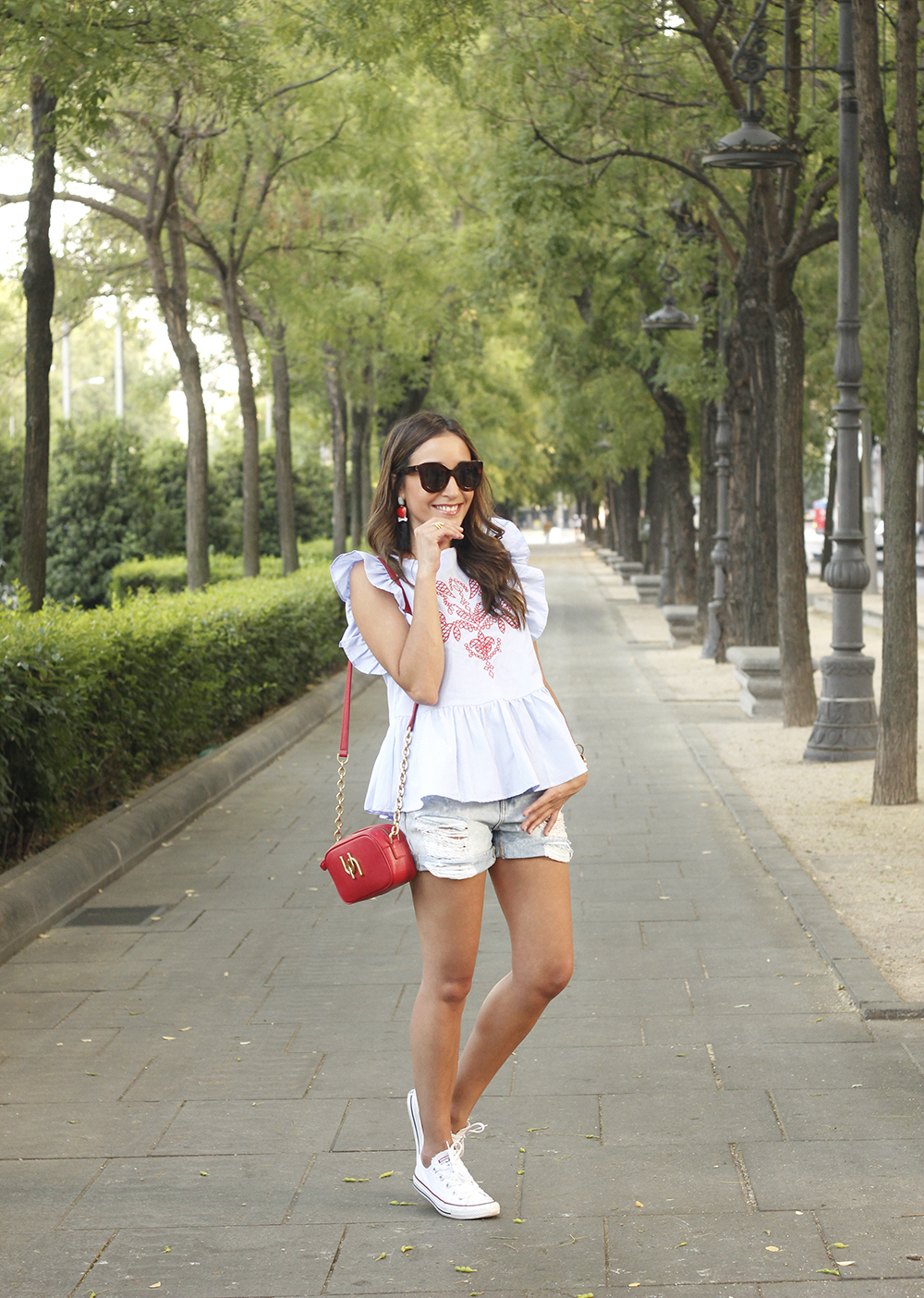 striped top with frills casual outfit summer denim shorts red fashion style09