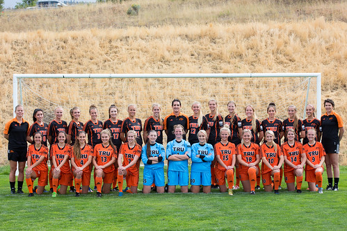 2017-18 WSOC team photo (Snucins)