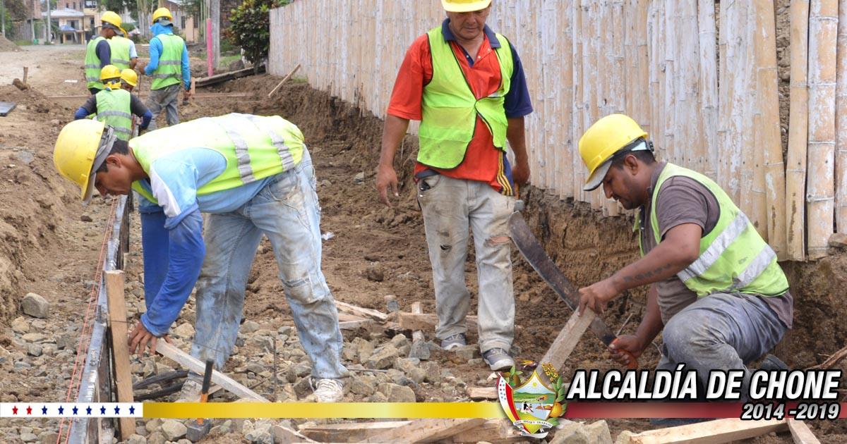 Trabajos en la calle Salustio Giler continúan hacia la calle Manuel de Jesús Álvarez