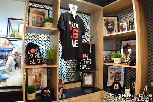 Pizza Hut SM MOA (16)