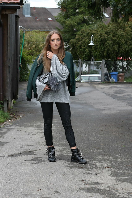 bomber-jacket-and-studded-boots-whole-outfit-front-wiebkembg