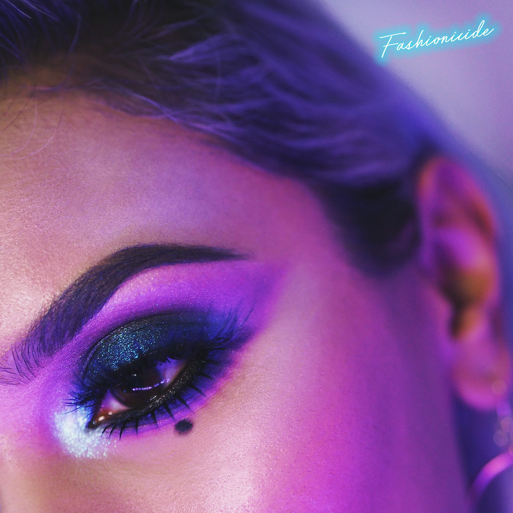 Synthwave 80s Retro Makeup Look 1