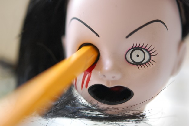史上最獵奇的削鉛筆機即將推出新作?!MEZCO【活死人娃娃削鉛筆機】The Living Dead Dolls Pencil Sharpener