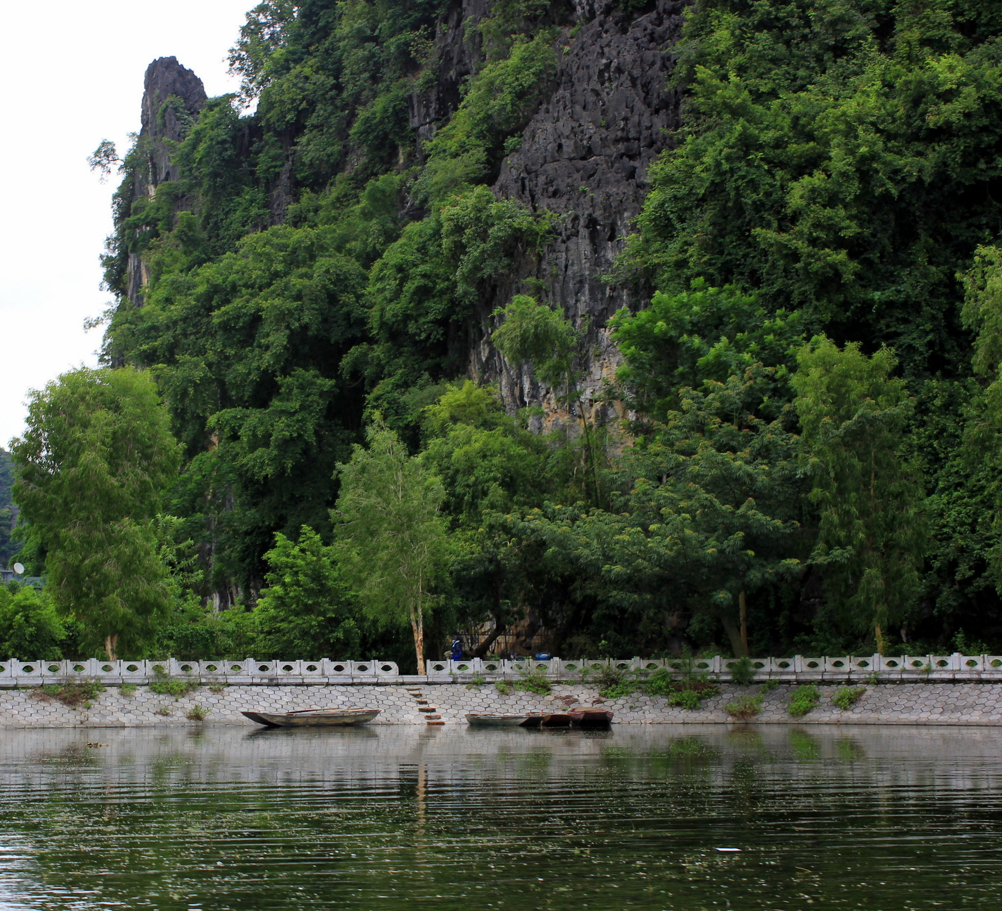 Limestone caves and grottos of Tam Coc