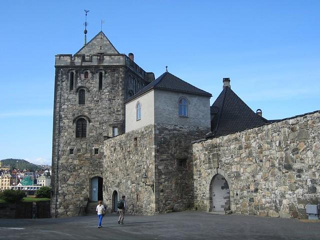Rosencrantz_Tower, Canon IXUS 115 HS