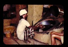 豆の加工,熱砂焙煎法