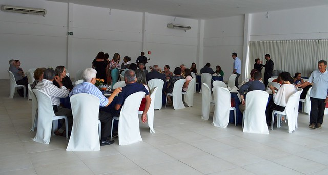 AMMA reúne aposentados e pensionistas em almoço de confraternização na sede social