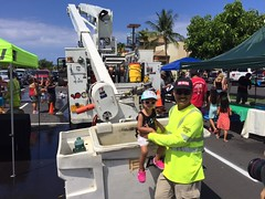 Hawaii Electric Light participates in Touch-A-Truck - August 12, 2017: This bucket truck is cool!