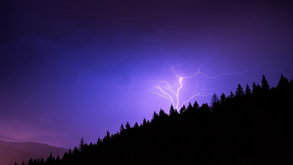 Thunder - Busteni, Romania - Landscape photography