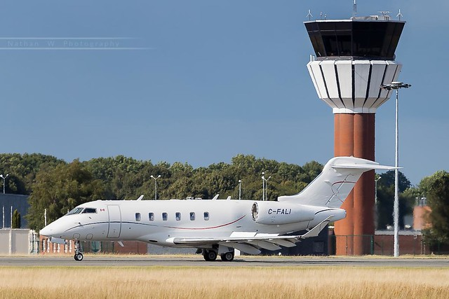 LIL - Bombardier Challenger 350 (C-FALI) Irving Oil Transport