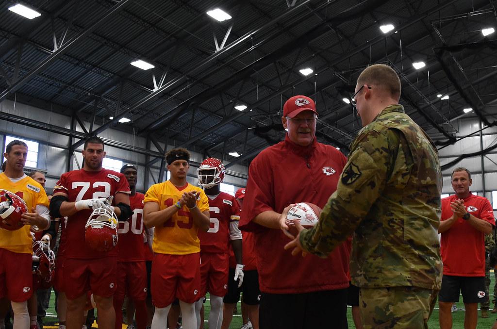 170816 F WA802 042 | Kansas City Chiefs hold Military Apprec