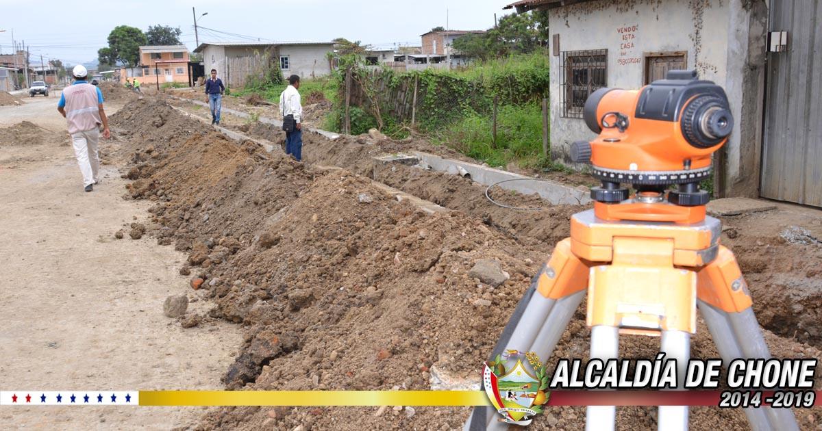 Continúan trabajos en calle Calle Ítalo Colamarco a través de la Alcaldía