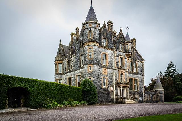 Ireland - Blarney - Mansion in the castle gardens
