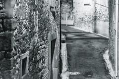 Alley - Photo of Cazedarnes