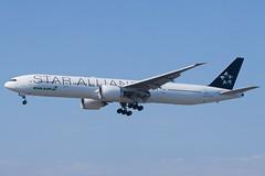 Star Alliance (EVA Air) Boeing 777-300ER B-16715