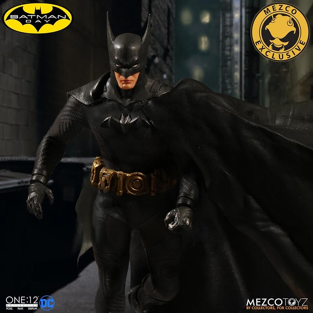 MEZCO – ONE:12 COLLECTIVE 系列 Batman Day 2017 限定【蝙蝠俠:Ascending Knight - 黑色變體版】Batman: Ascending Knight - Black Variant 1/12 比例人偶作品
