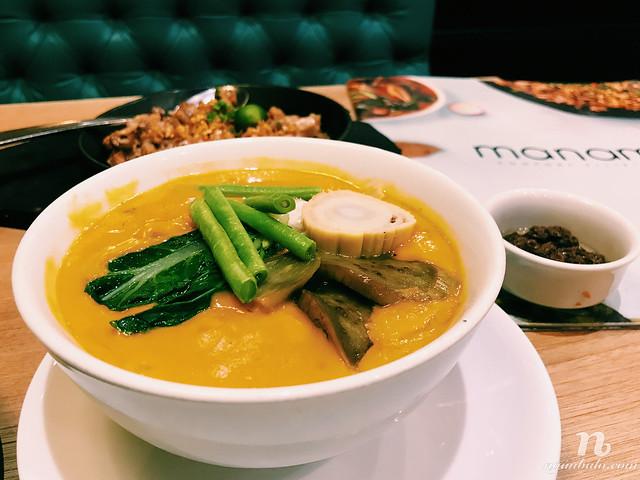Ăn gì ở Philippines - Món KareKare nấu với đuôi bò