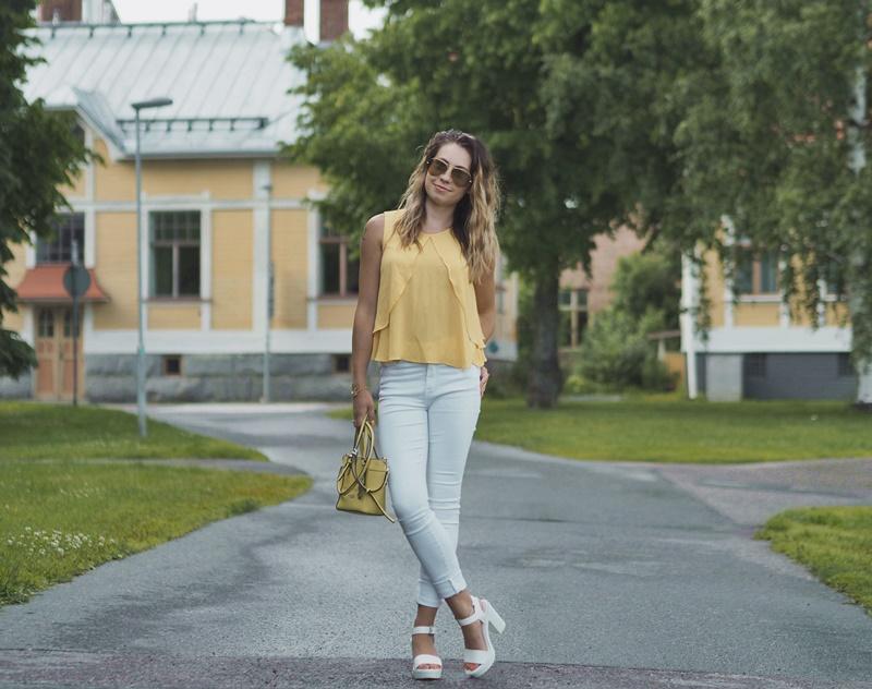 kuopiolainen-bloggaaja-asukokonaisuus-summer-outfit