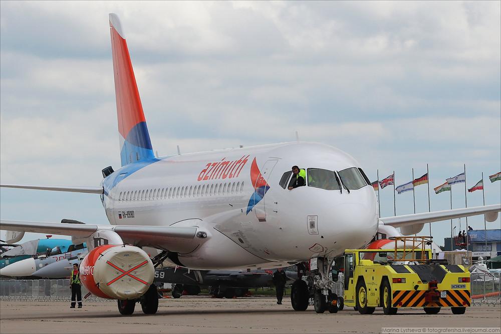 SSJ100 at MAKS-2017