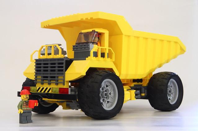 Lego City Dump Truck (Long Haul)