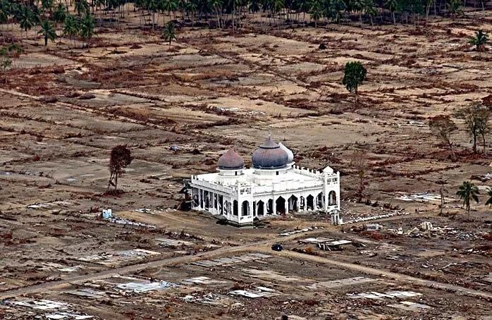 Tsunami Di Banda Acheh
