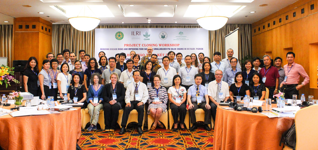 Improving food safety along the pork value chain – lessons learned and ways forward Final PigRISK and SafePORK project launching workshop