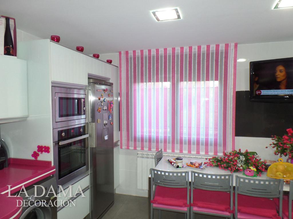 Fotograf as de cortinas de cocina for Cortinas estampadas para cocina
