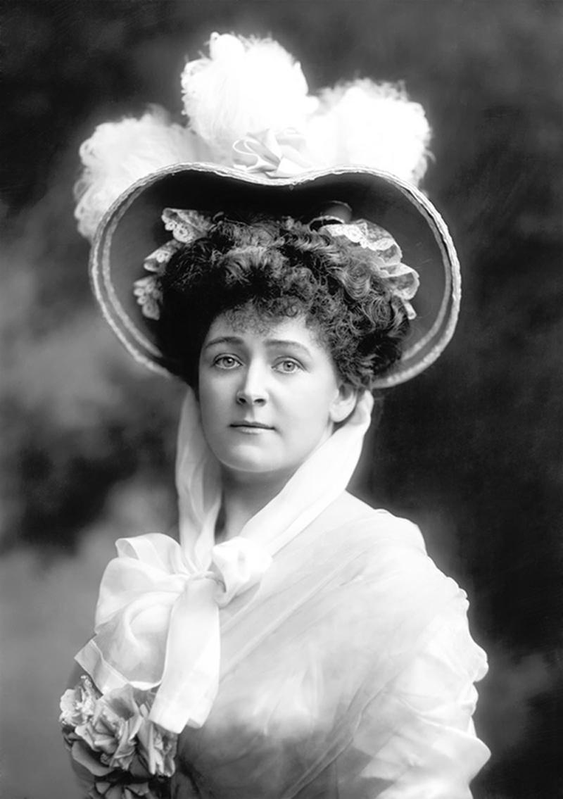 Daisy Greville, Countess of Warwick, 1899