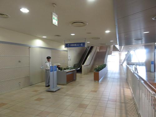 小倉競馬場の6階へのエスカレーター