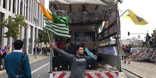 Kashmir Truck in Barlin