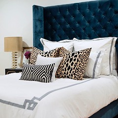 Happy Saturday! I'm loving this bed styling by @hannahhagler 🐆 . . . . #interiordesign #interiordesigner #inspo #inspiration #instagood #instalove #inspiration #me #love #photooftheday #style #styling #edesign #followforfollow #pinterest #hgtv #de