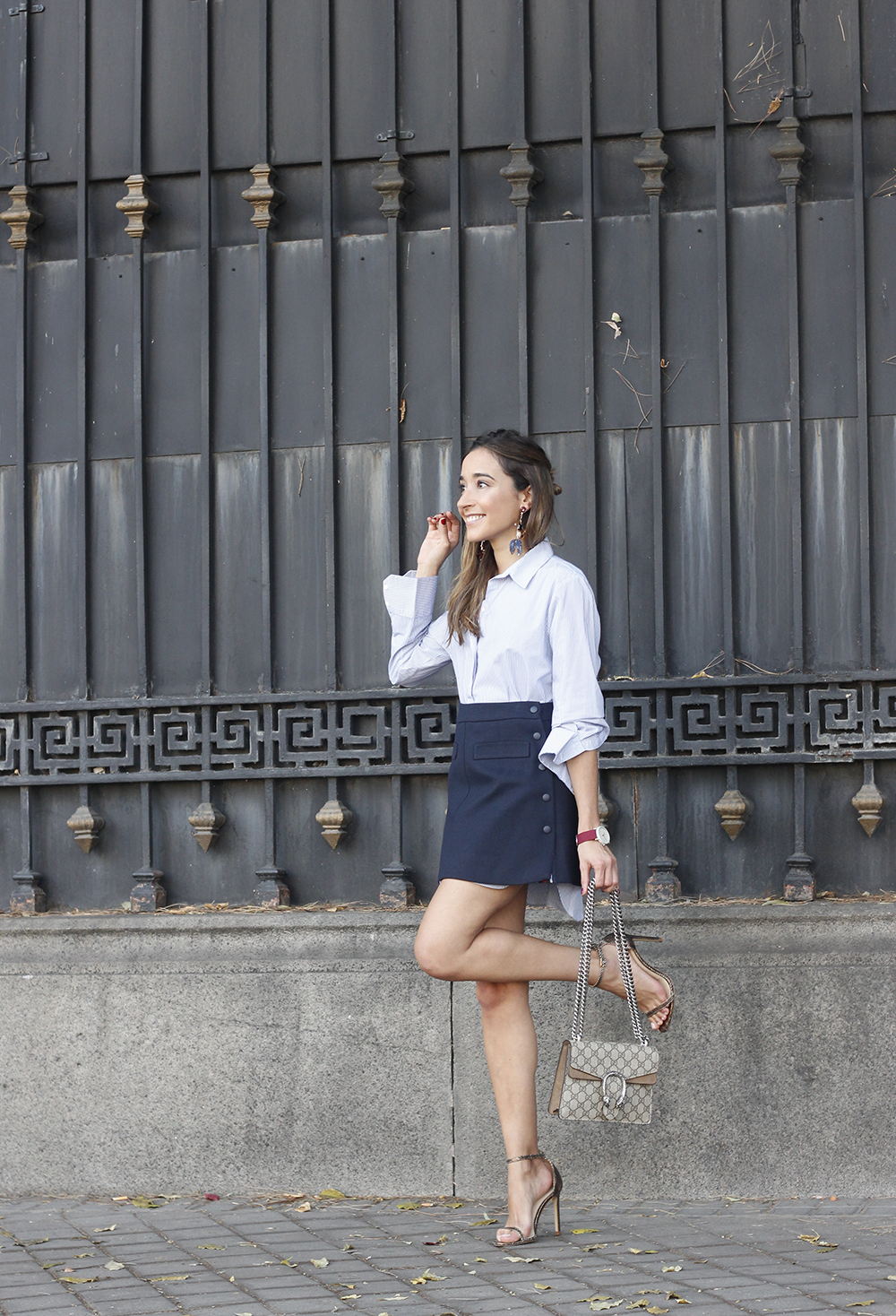 striped shirt blue navy skirt gucci bag heels outfit fashion style06