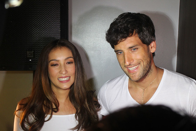 Solenn Heussaff Nico Bolzico Duane Bacon Kenny Rogers Chicken Food Garlic Butter 8