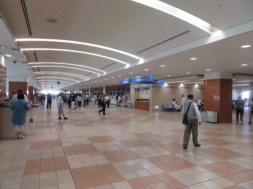 小倉競馬場の4階コンコース