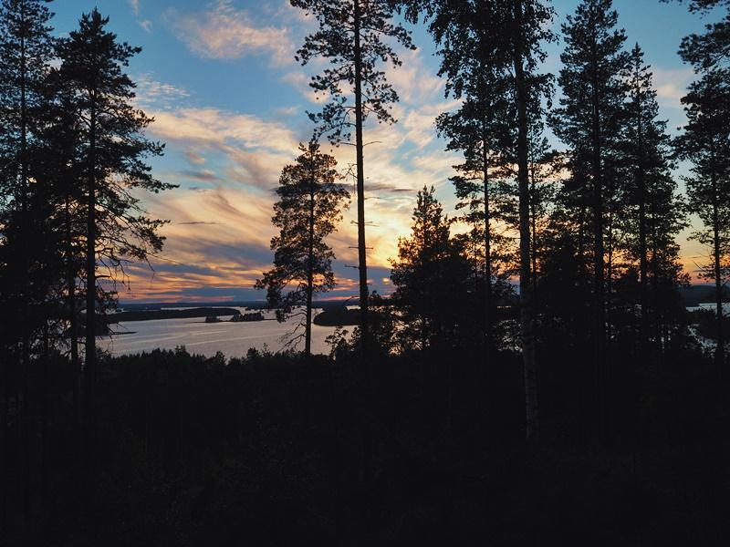 auringonlasku-julkula-kuopio-puijonmetsä