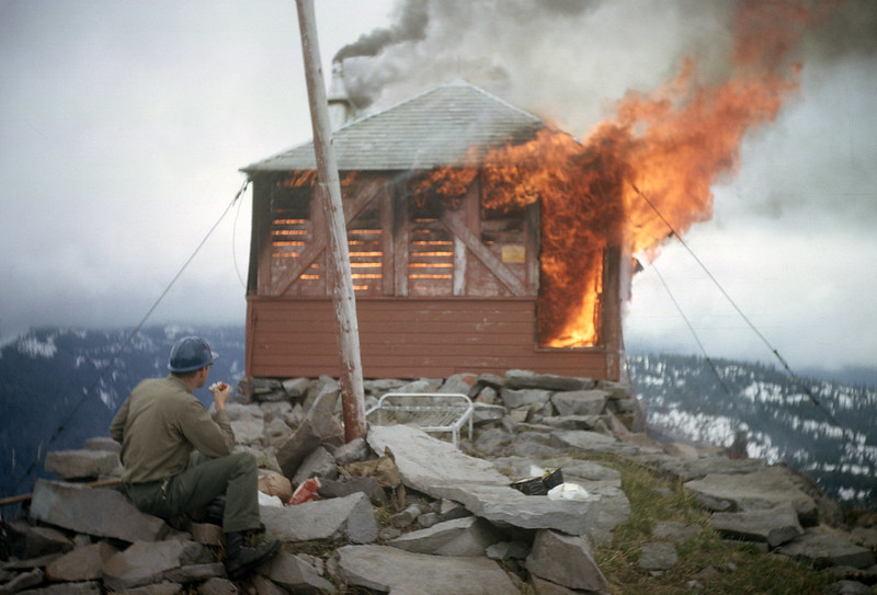 024 Destruction of East Zigzag fire lookout, Mt Hood NF