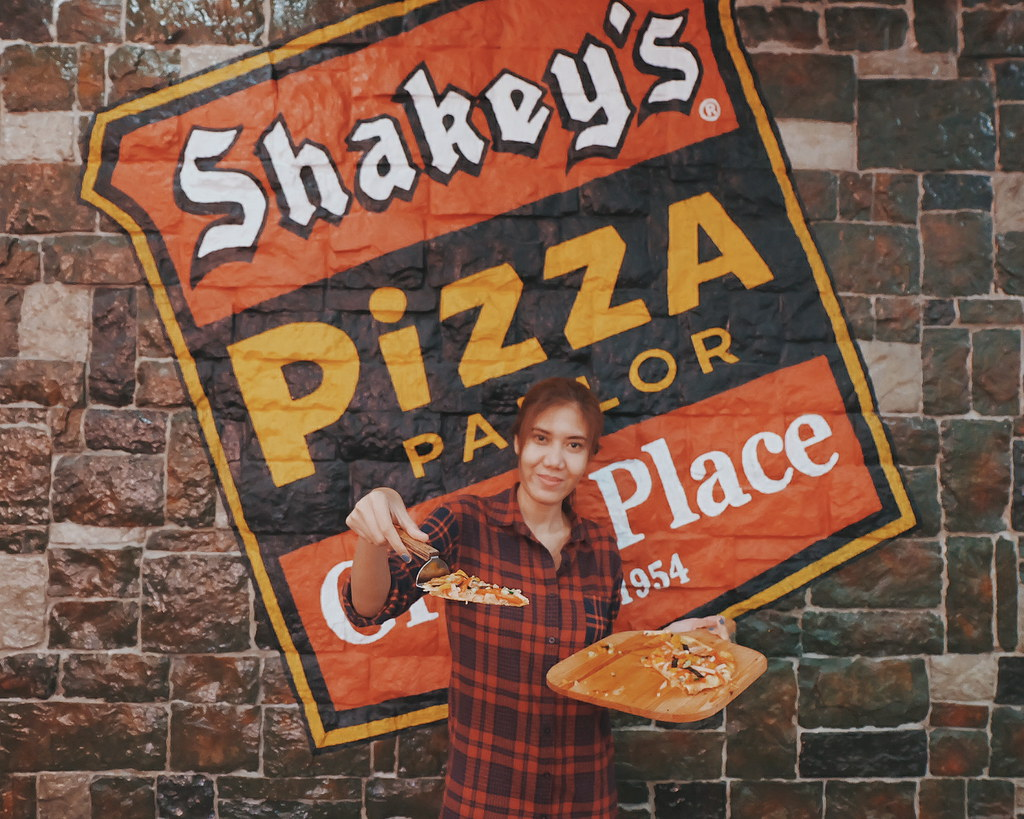 Shakey's Paseo de Magallanes 200th store