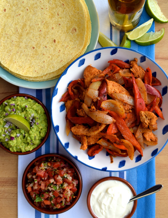 Homemade Chicken Fajitas - quick, delicious, easy & 100% homemade!