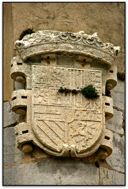 Escut de Felip II amb el blasó de Portugal, Peníscola (Castelló, España)