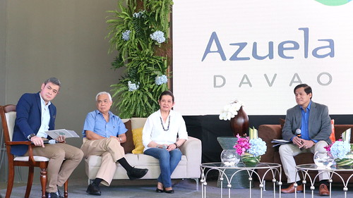 Host Anthony Pangilinan with Nicasio 'Nick' Alcantara and Editha Alcantara, also Aniceto 'Jun' Bisnar of Ayala Land || Azuela Cove: Davao's Prime Waterside Business and Residential DistrictIMG_1527