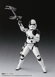 這個新武器也太帥了吧!!S.H.Figuarts 星際大戰八部曲:最後的絕地武士【處刑者風暴兵(暫譯)】Executioner Trooper ファースト・オーダー・エクセキューショナー(THE LAST JEDI)