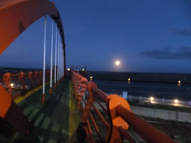 橋上觀月 (7)