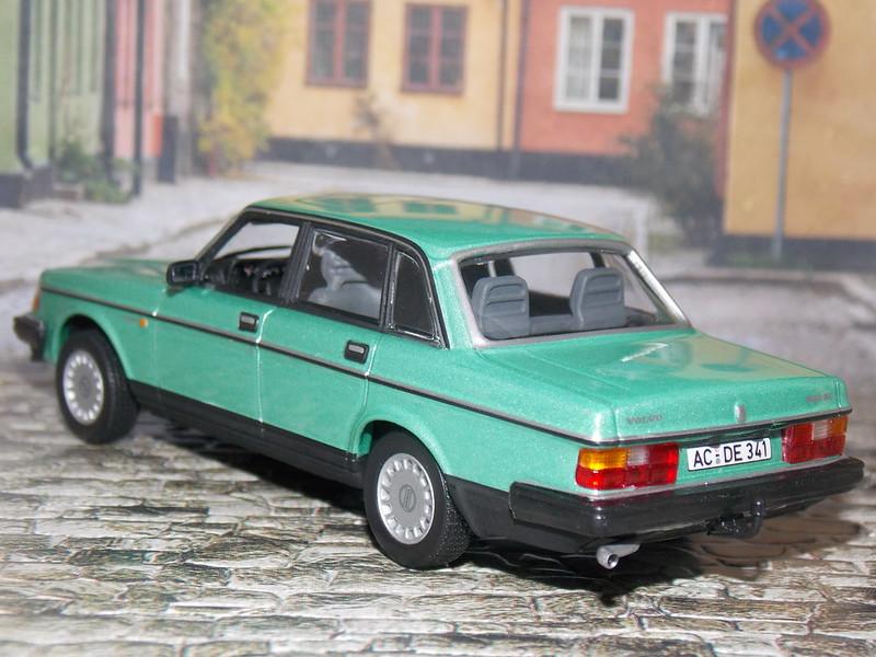 Volvo 240 GL - 1986 - Minichamps