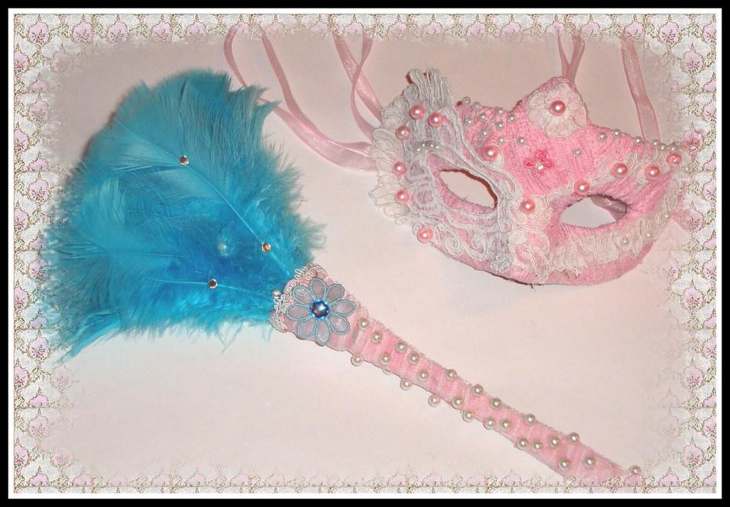 3a9bb54d8f Julia Carina Design tollsepru burlesque maszk - Download Photo ...
