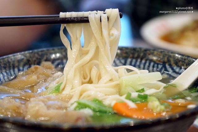 台北百年老店|金春發牛肉麵